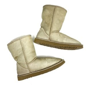 UGG Classic Short Boot in Sand